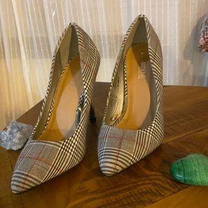 Madras print heels 🖤⚪️